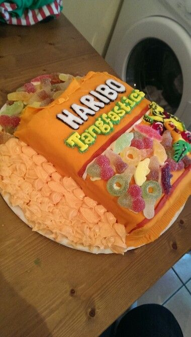 My birthday cake for the sisters birthday! Pretty proud!!