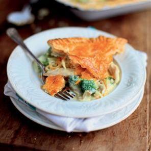 Chicken and broccoli pie