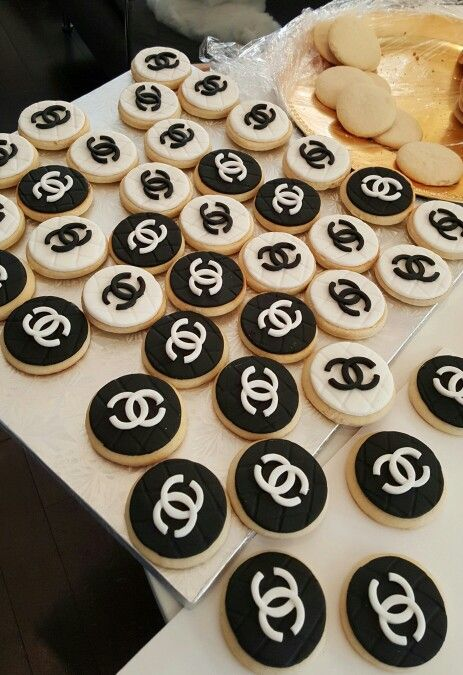 Chanel inspired sugar cookies