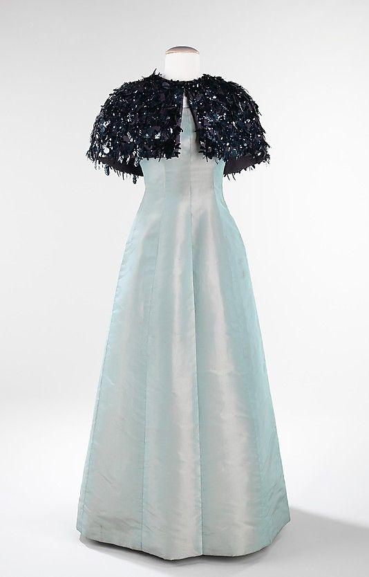 House of Balenciaga. Founded 1937. Designer Christobal Balenciaga. French 1895-1972. Evening ensemble FW 1963.