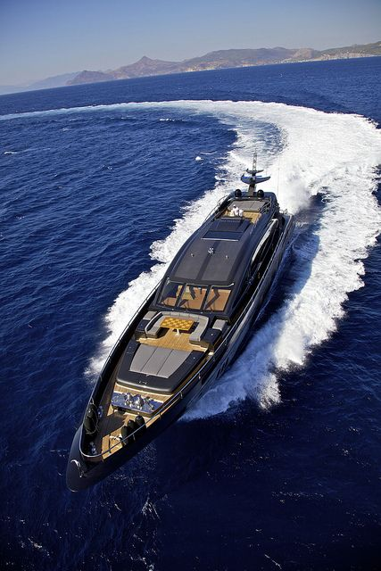 so Claudia Dantas I founf the yacht for my party…what you think? maybe too sma…