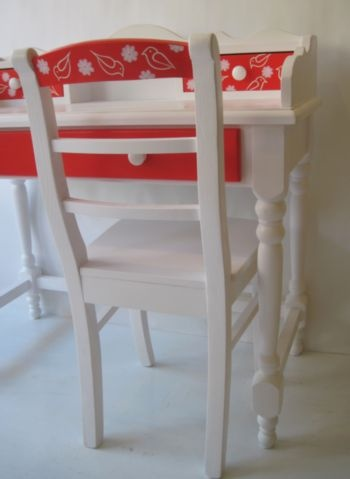 new desk red and birds 3! #kinderbureau #kindermeubelen #kinderkamers
