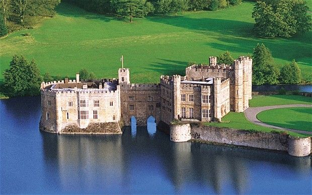 Leeds Castle: 20 bedrooms, Henry VIII banqueting hall, moat and yew tree maze.