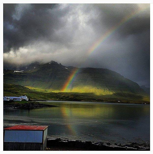 http://icelandnews.is/islandia/ciekawostki-islandia/dlaczego-akurat-islandia ✈️⛰⛺️