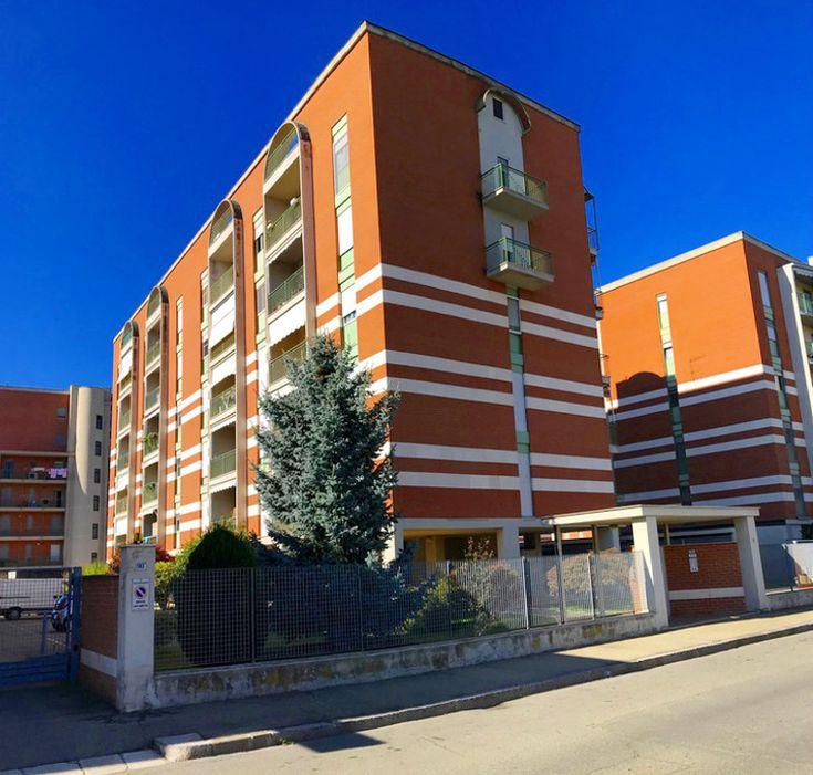 Appartamento Ristrutturato in Vendita ad Alessandria zona Galimberti, doppi servizi, aria condizionata, posto auto, box auto, riscaldamento autonomo