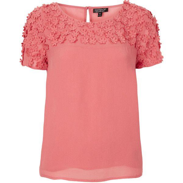 TOPSHOP Daisy Bead Tee (2.535 RUB) ❤ liked on Polyvore featuring tops, t-shirts, pink, topshop, shirts, rayon t shirt, daisy t shirt, red t shirt, pink tee and t shirts