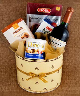 Mimá los paladares más exquisitos y sorprendelos con una canasta de sabores especiales para celebrar.