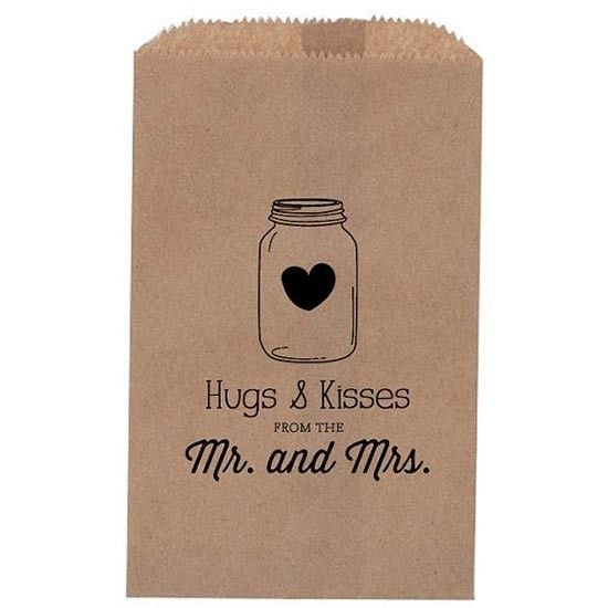 Matrimonio sacchetto confettata con timbro personalizzato. Wedding favors with custom stamp. #wedding