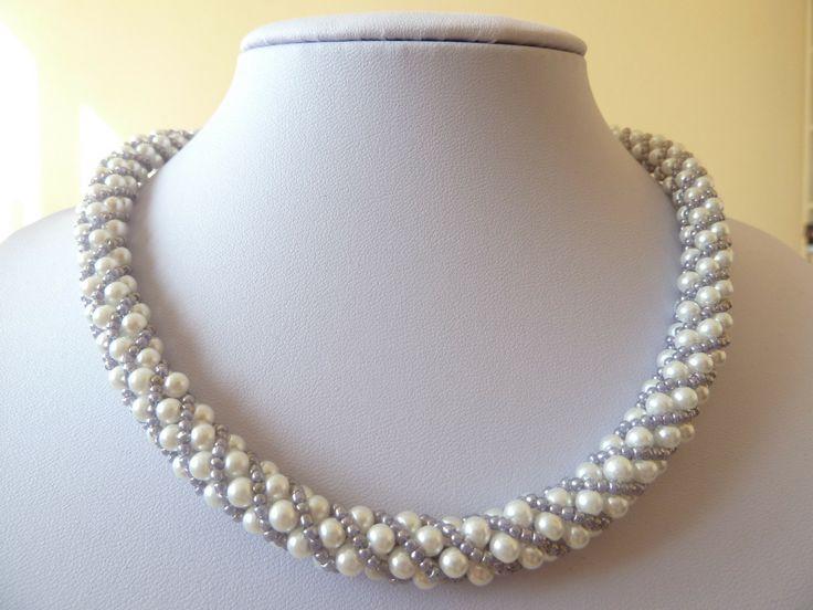 WEBNODE :: Šité a vyšívané náhrdelníky :: bižuterie JS