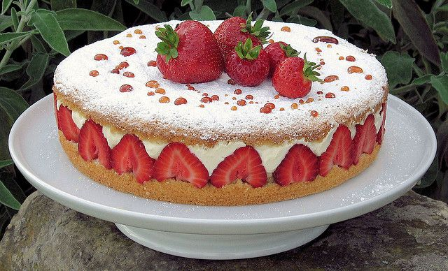 strawberry cream cake 1 by nicisme, via Flickr