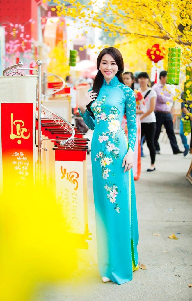 vietnam ,capital hanoi (thang long ) , daila city , north vietnam , ethnic groups in Vietnam
