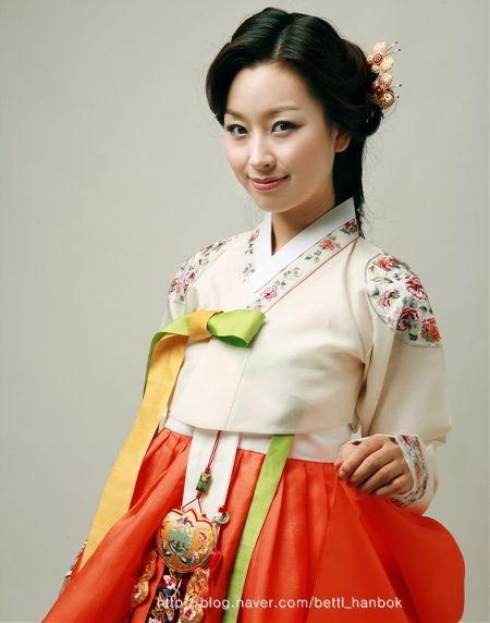 hanbok: Korean  Traditional Dress