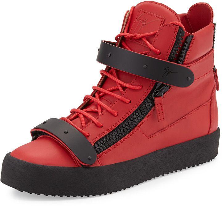 €939, Baskets montantes en cuir rouges Giuseppe Zanotti. De Neiman Marcus. Cliquez ici pour plus d'informations: https://lookastic.com/men/shop_items/68750/redirect