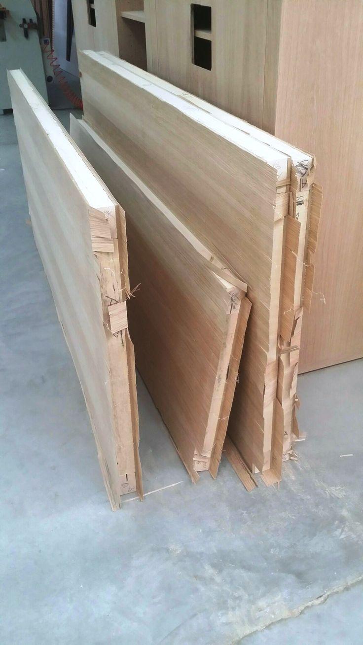 Pannelli Tamburati e inpiallacciati. Honeycomb wood panels  veneered.