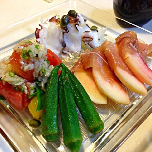 タコカルパッチョ 桃と生ハム トマトとバジルサラダ - 91件のもぐもぐ - 今日の前菜盛りと冷製カボチャスープ by sasachanko