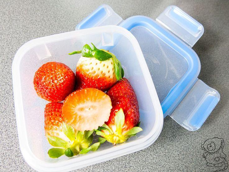 Die Erdbeeren, die man so im Supermarkt kauft, sehen teilweise im Geschäft schon nicht mehr ganz frisch aus. Spätestens aber am nächsten Tag bekommen die meisten davon unansehnliche Flecken, Druckstellen oder beginnen gar zu schimmeln. Nicht mit Emsa :) Meine Erdbeeren halten sich über Tage frisch ;) - https://emsa.springup.io/?view=social&type=reply&id=30667