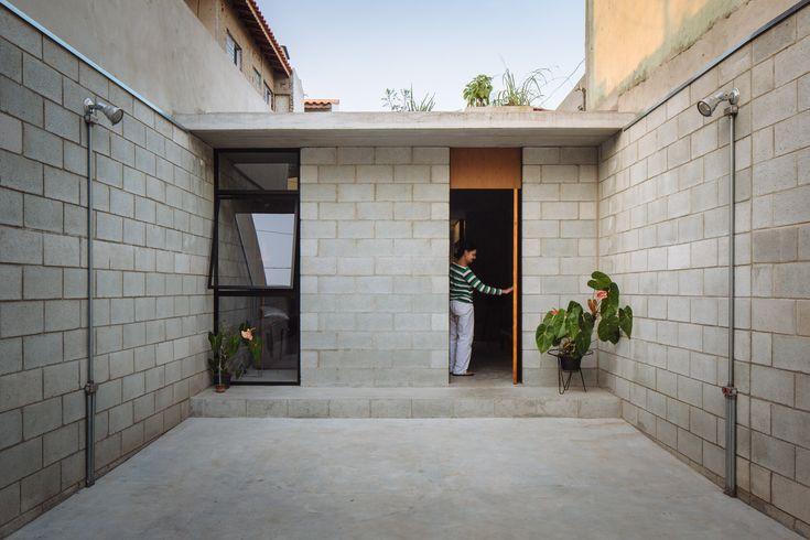 Casa Vila Matilde, São Paulo, Brasil. Terra e Tuma Arquitetos.