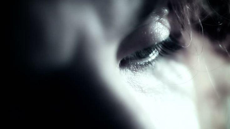 """Το """"τέλος"""" της γυναίκας θα το καταλάβεις από το βλέμμα και τη σιωπή της."""