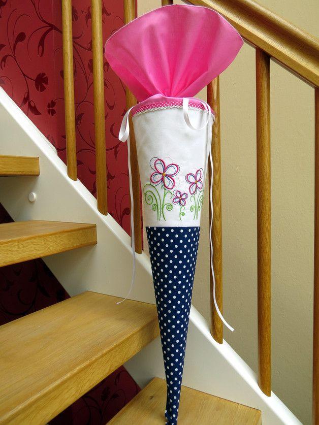 Schultüten - Schultüte Blumen Zuckertüte Stoff blau rosa weiß - ein Designerstück von Kunstwerkstatt-der-Wolle bei DaWanda