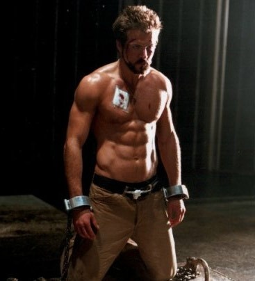Ryan Reynolds <3 half naked and already in handcuffs!