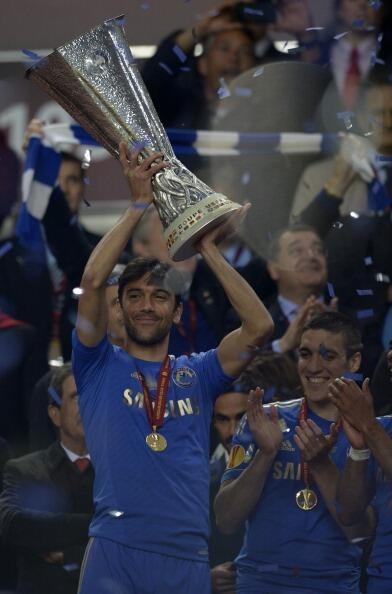 Paulo Ferreira... Top Pro & nice guy! Porto :UEFA Cup 2003, Champions League 2004.. Chelsea : Champions League 2011–12, Europa League 2012–13