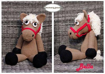 Kijk wat ik gevonden heb op Freubelweb.nl: een gratis haakpatroon van Handmade by Jolanda om dit leuke paard te maken https://www.freubelweb.nl/freubel-zelf/zelf-maken-met-haakkatoen-paard/