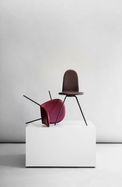 Tongue Chair™ by Arne Jacobsen / Howe. Sorensen Leather: Savanne / Wine Red and Dark Brown. Photo: Jonas Bjerre-Poulsen / #NORMarchitects #arnejacobsen #howefurniture