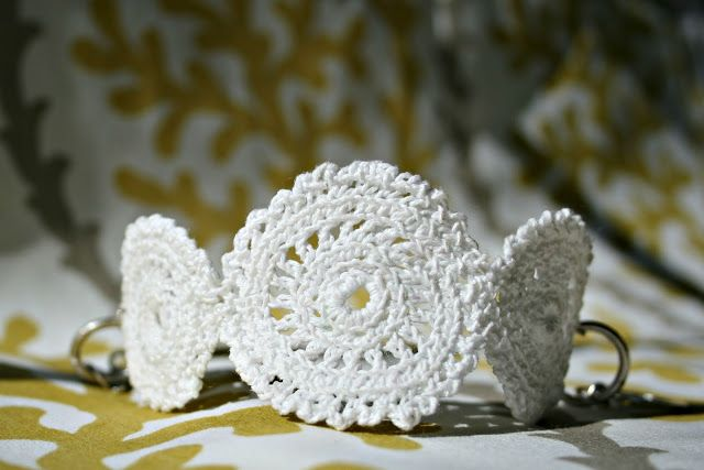 Two Sisters,  Tutorial for Crochet doily  bracelet hook Challenge 12 months, 12 projects *