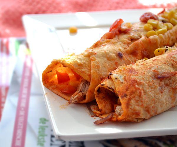 Ik ben dol op Mexicaans eten en deze Enchiladas met kip behoren zeker tot mijn favorieten. OMF laat je zien hoe je ze eenvoudig zelf maakt.