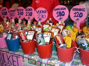 Koh Samui, Thailand: Full Moon Party...the most expensive bucket on that table is $10.10 USD ..gotta love Thailand