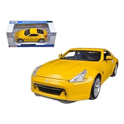 2009 Nissan 370Z Yellow 1/24 Diecast Model Car by Maisto