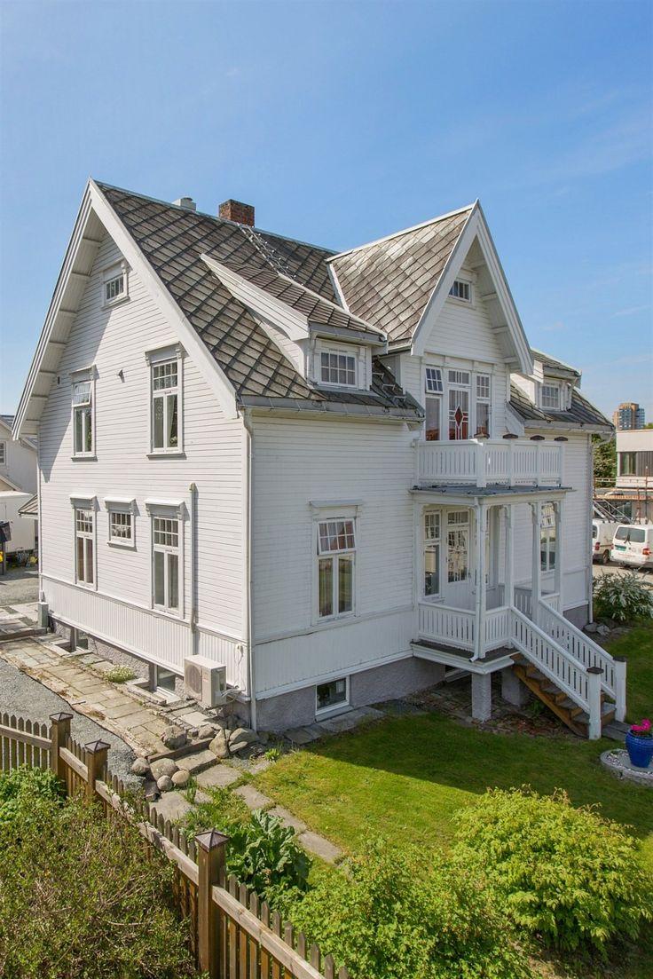Boligen med sin beliggenhet på Brøset ligger attraktivt til i et av dagens meget…