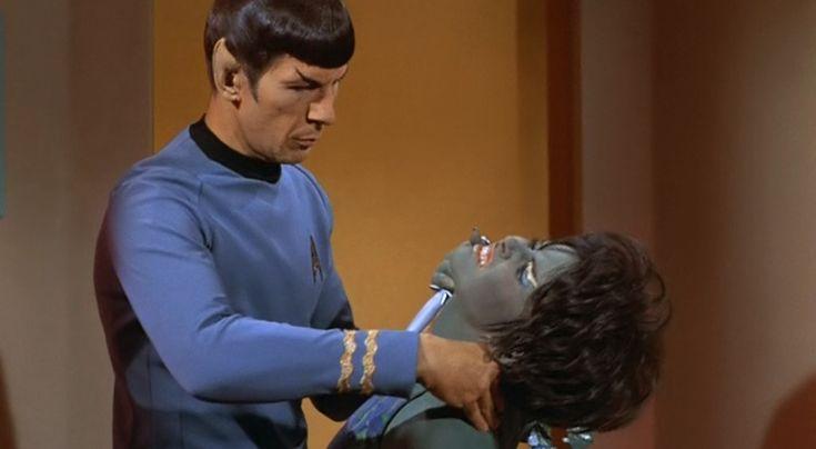Spock Vulcan Nerve Pinch | Spock Vulcan nerve pinch