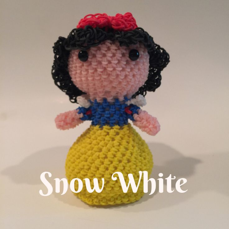 Disney's Snow White Rubber Band Figure, Rainbow Loom Loomigurumi, Rainbow Loom Disney by BBLNCreations on Etsy  Loomigurumi Amigurumi Rainbow Loom