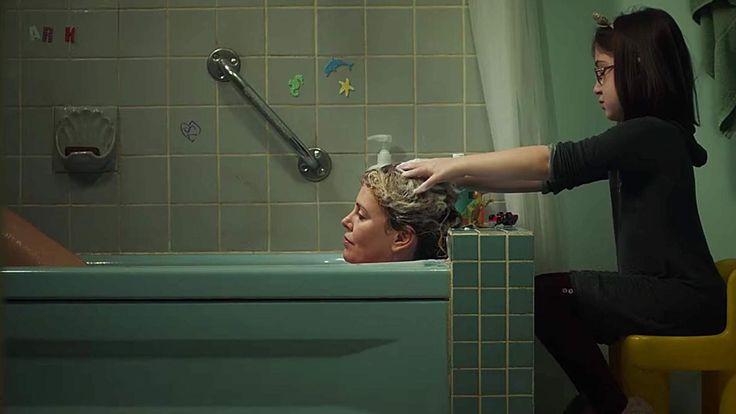 MUTTER SEIN ist nicht nur schön! Charlize Theron zeigt das wahre Leben - ungeschönt! Genau so ist es wirklich! Das kennst du bestimmt auch! Mutter sein hat wahrlich nicht nur schöne Seiten. Hier werden sie schonungslos und mit viel Humor gezeigt. Der neue Film mit Charlize Theron, hier den ersten Trailer zur Comedy sehen. >>> https://www.film.tv/go/39623-pi  #charlizetheron #tully