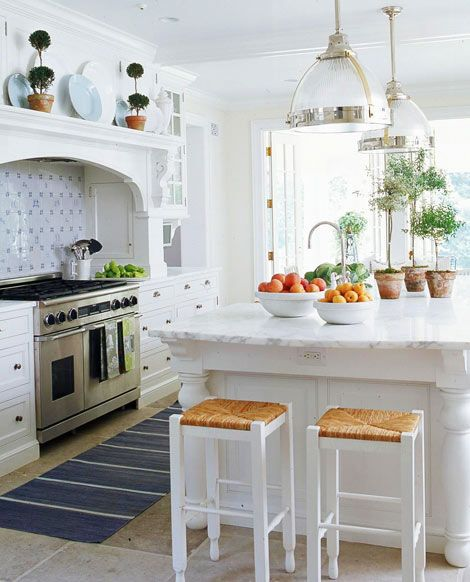 10 Beautiful White Beach House Kitchens: Best 25+ Bright Kitchens Ideas On Pinterest