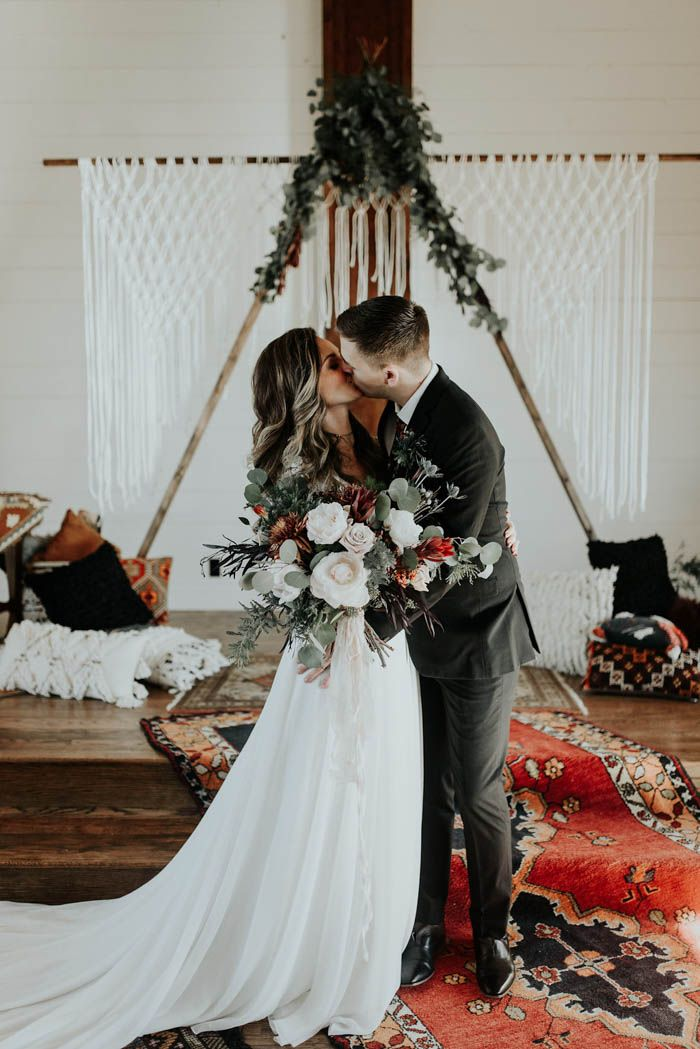 Swoon-worthy boho details and moody winter color palette | Image by Peyton Rainey Photography and Chelsea Denise Photography