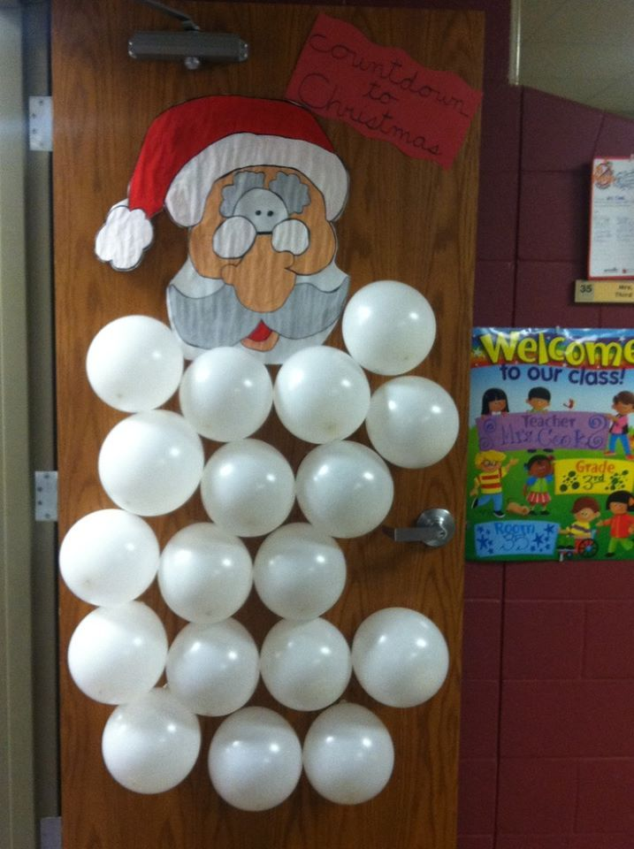 Countdown for Christmas: decorate your door!