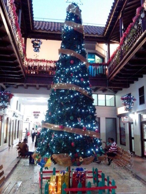 Árbol de Navidad del Centro Comercial Paseo de la Moneda. #CartagenadeIndias