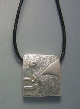 talismanes amuletos y símbolos | colgante sello maya humano Kin heb
