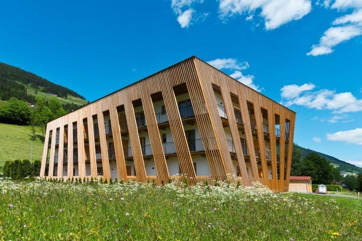 ^Apartments Dolomit Royal ★★★★ Unser zentral gelegenes, im Dezember 2012 neu eröffnetes Apartmenthaus, befindet sich in Sillian in Osttiro, mehr auf www.travelina.chl