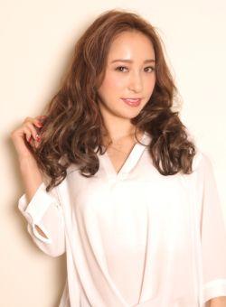 ロングカット×ハート型さんでフェミニンさを目指すならこのヘアスタイル☆