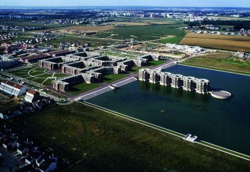 ricardo Bofill - Les Arcades du Lac in Saint Quentin-en-Yvelines, France