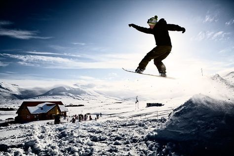 Snowboard in the Winter Darkness: Icelandic winters are synonymous with darkness, but that's what makes snowboarding in the Nordic island nation so special. Mount Hlíðarfjall has been one of Iceland's top ski and snowboard resorts for more than 40 years. Powdery snow and a location 5 kilometres outside of the town of Akureyri makes it a favorite among Icelandic locals and tourists. Floodlighting on the main trails means skiing in the pitch black evenings of winter is possible.