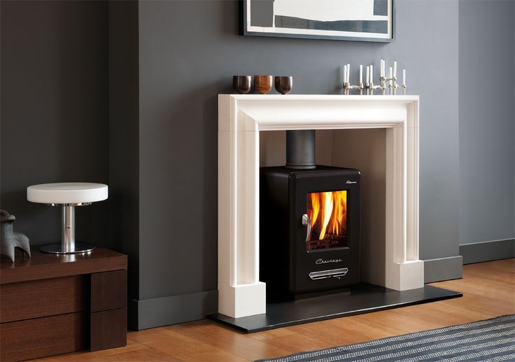 THE CLANDON BOLECTION FRAME The Clandon Bolection frame is a traditional design with a contemporary feel. Carved in limestone it combines elegant proportions with soft architectural curves making it an ideal choice for contemporary interiors.