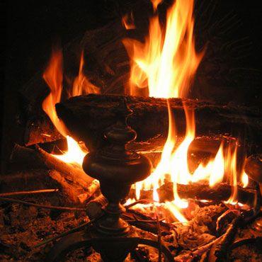 les 25 meilleures id es concernant feu de chemin e sur pinterest bois de chauffage feu. Black Bedroom Furniture Sets. Home Design Ideas