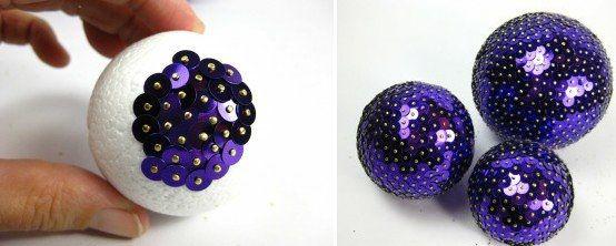 Ecco come realizzare delle palline di Natale fai da te con delle paillettes coloratissime.