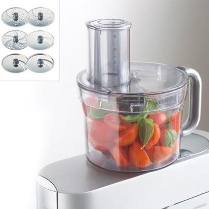 Grâce à ses 6 disques en inox, le bol multifonction du Cooking Chef permet de trancher ou de râper un grand nombre d'ingrédients. Vous pouvez ainsi réaliser des farces, des mousselines, du houmous ou encore de la chapelure.