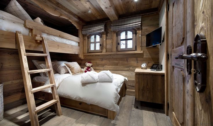 Studio sleeping areangement . The Petit Chateau 1850 – Courchevel – France