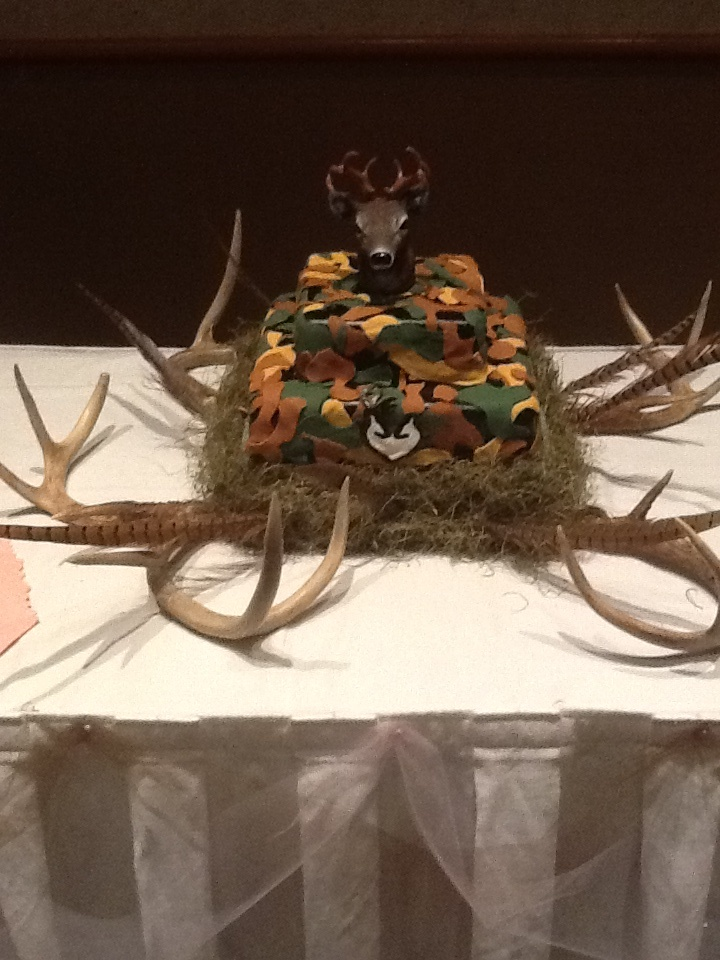 Deer And Camo Grooms Cake